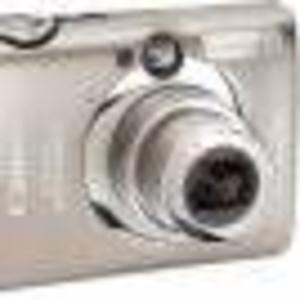 Продам фотоаппарат Canon Ixus 900Ti - 10Mp, HD Video