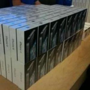 Оптовая торговля: новый iphone 4s 16gb,  Samsung Galaxy S3,  сим бесплат