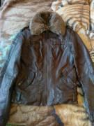 Продам куртку новую